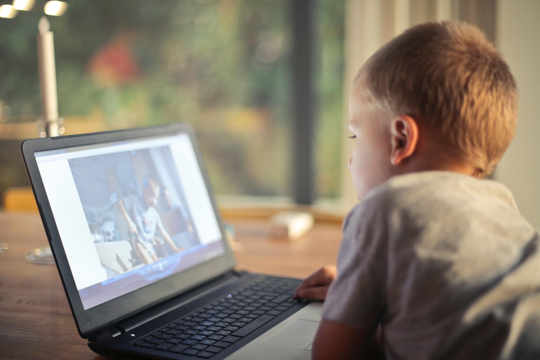 Gyermek látás tv, Miről ismerjük fel?